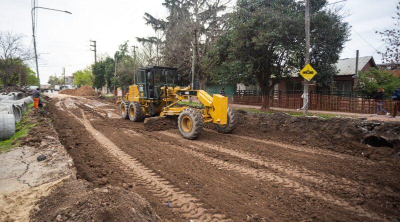 Iniciaron las obras de repavimentación y desagües de la Av. Milazzo